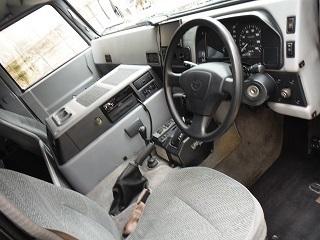 メガクルーザーの車内画像