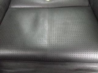 座面部中央から画像右側・作業中.JPG
