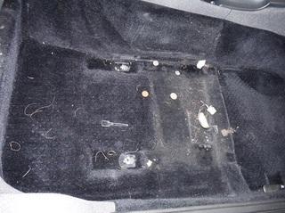 運転席側フロア作業前.JPG